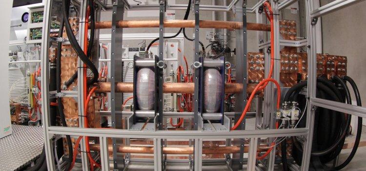 Magnetstromversorgungen, Stromrichtertechnik und Hochspannungsnetzgeräte